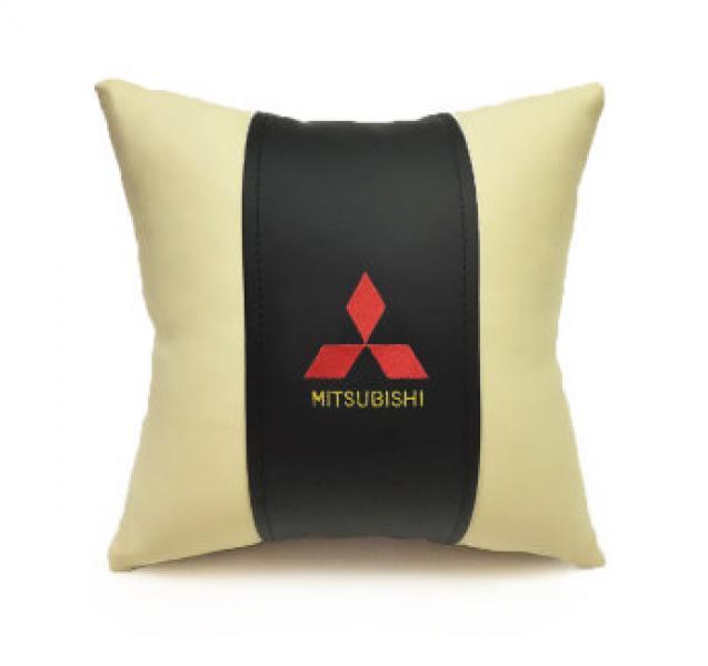 Автомобильная подушка из эко-кожи MITSUBISHI